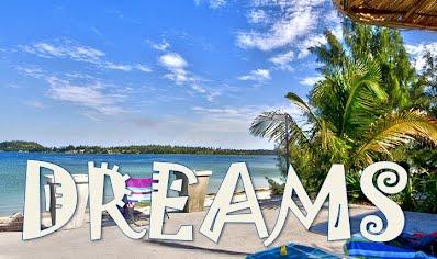 Dreams Bilene Bar with views of Bilene Beach